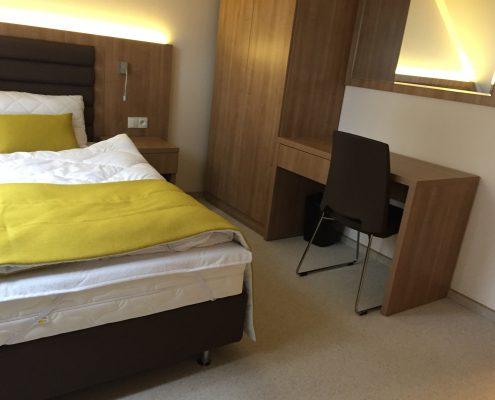 łóżko hotelowe