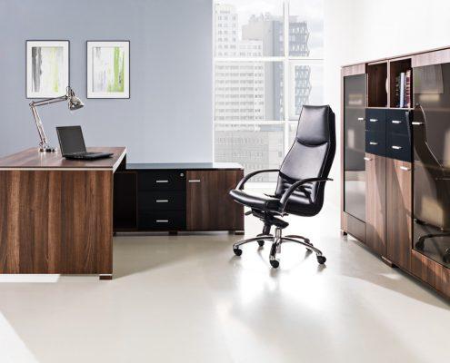 meble biurowe z ciemnego drewna