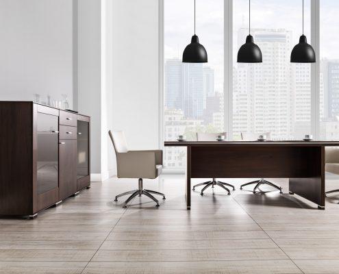 drewniany stół biurowy